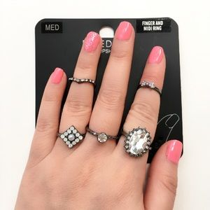 Topshop Fingers and Midi Rings Set